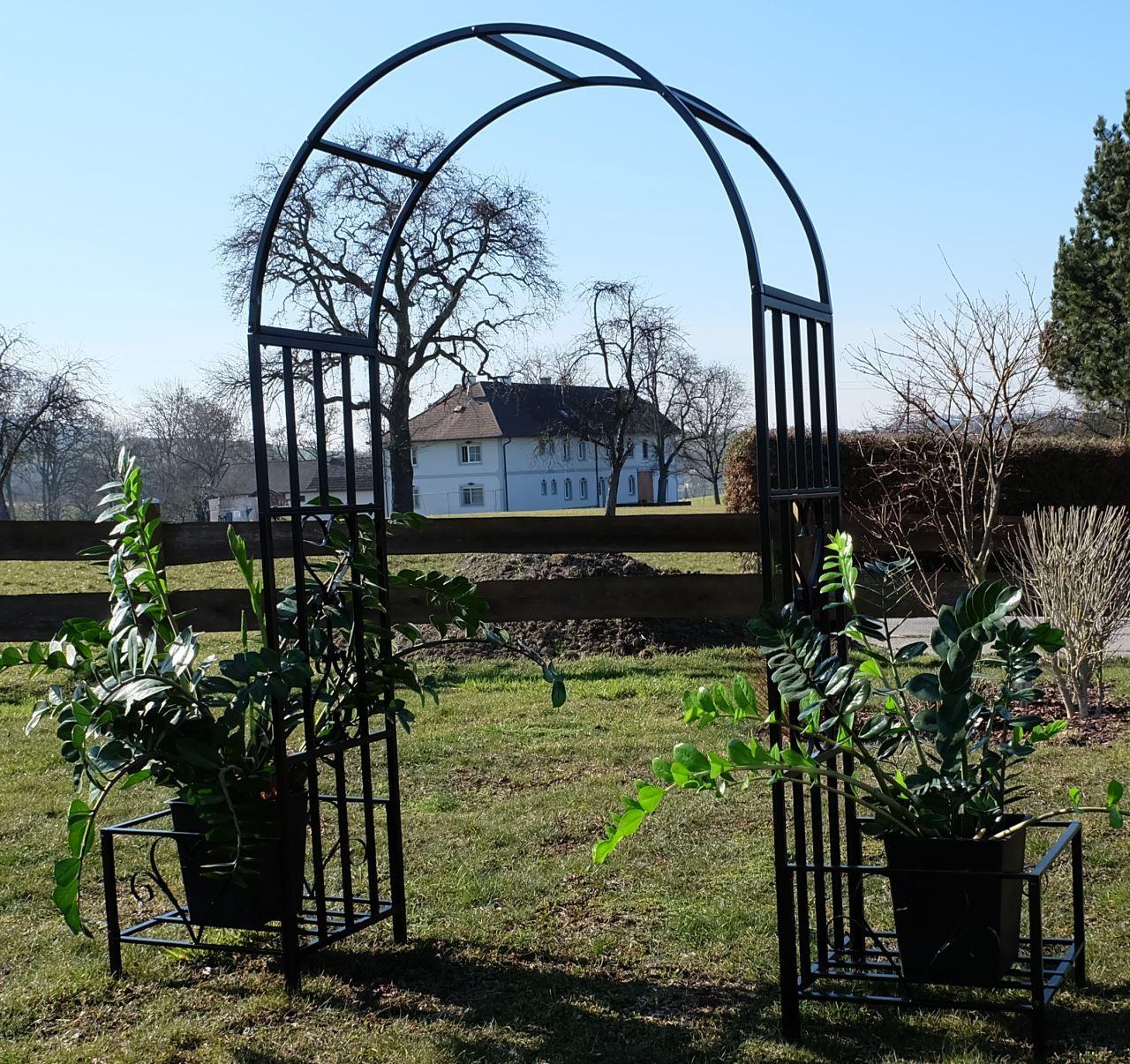 eleganter rosenbogen rankhilfe mit 2 pflanzpl tzen aus. Black Bedroom Furniture Sets. Home Design Ideas
